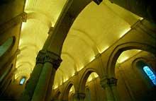 Aulnay du Saintonge: saint Pierre de la Tour. Voûtes de la nef et des bas côtés