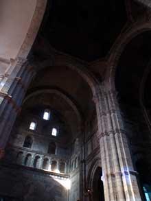 Autun, cathédrale saint Lazare: le transept