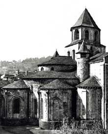 Beaulieu sur Dordogne. L'abbatiale, fin XIè – XIIè. Le chevet