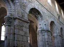 Bernay, l'église romane Notre Dame: élévation de la nef