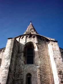 Bourg Saint Andéol. L'église romane. La croisée