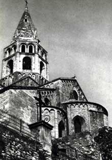 Bourg Saint Andéol. L'église romane. Le chevet