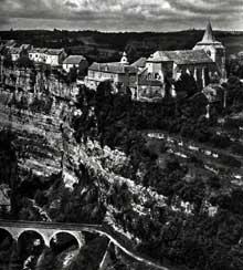 Bozouls (Aveyron): Sainte Fauste. Vue générale