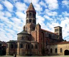Brioude, église saint Julien: vue générale