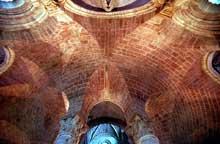 Brioude, église saint Julien: le déambulatoire