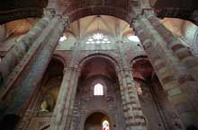 Brioude, église saint Julien: élévation de la nef