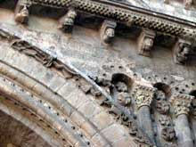 Cahors, la cathédrale saint Etienne. Portail nord. Détail du fronton