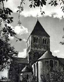 Château Gontier (Mayenne): église saint Jean Baptiste