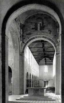 Château Gontier (Mayenne): église saint Jean Baptiste. La nef