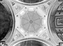 Civray (Vienne): l'église saint Nicolas. La croisée