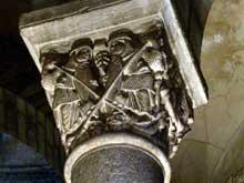 Clermont Ferrand: Notre Dame du Port: chapiteau du chœur: psychomachie
