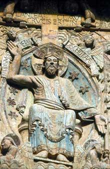 Conques en Aveyron: Sainte Foy, le tympan: le Christ du jugement dans sa mandorle