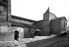 Corneilla de Conflent: l'église sainte Marie. Coté sud