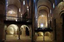 Cruas (Ardèche) Eglise abbatiale Notre Dame de Provence. La tribune des moines