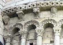 Cunault (Maine et Loire): l'église Notre Dame. Décors de l'absidiole nord
