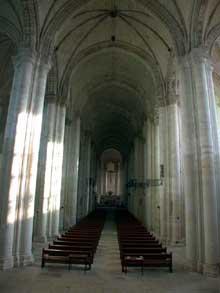 Cunault (Maine et Loire): l'église Notre Dame. La nef