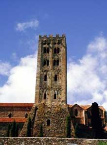 Saint Michel de Cuxa: la tour l'abbatiale