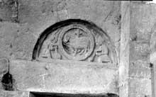 Digne: Portail latéral de Notre Dame du Bourg, ancienne cathédrale, Xllle s