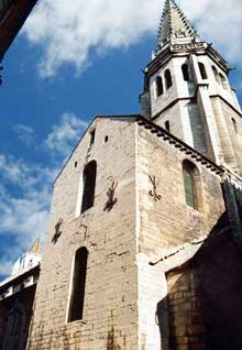 Dijon: église saint Philibert de Dijon, de type roman bourguignon