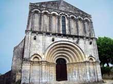 Echebrune (Deux Sèvres): église Saint Pierre (XIIè)