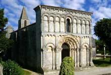 Echillais (Charente Maritime): église Sainte Marie. La façade
