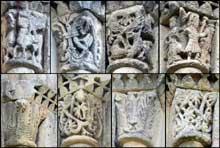 Echillais (Charente Maritime): église Sainte Marie. Façade: la «Grand'goule», chapiteau de l'ébrasement nord du portail central