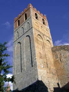 Espira de l'Agly (Pyrénées Orientales): l'église sainte Marie. Le clocher