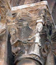 Espira de l'Agly (Pyrénées Orientales): l'église sainte Marie. Chapiteau du portail