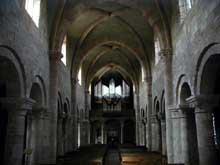 Etival-Clairefontaine: l'église abbatiale saint Pierre. La nef