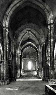 Flaran (Gers): abbaye cistercienne. La nef de l'abbatiale