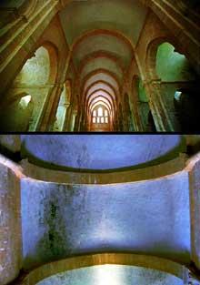 Fontenay en Côte d'Or: l'abbaye cistercienne: nef centrale de l'abbatiale couverte d'un berceau brisé avec doubleaux. Bas côtés munis de voûtes en berceaux brisés transversaux