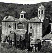 L'abbaye de Fontfroide: le chevet de l'abbatiale.