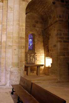 L'abbaye de Fontfroide: chapelle latérale de l'abbatiale