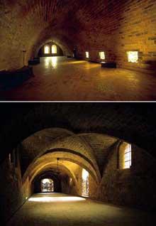 L'abbaye de Fontfroide: en bas, le réfectoire des convers; en haut: le dortoir des convers