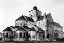 Fontgombault (Indre): l'abbatiale