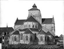Fontgombault (Indre): l'abbatiale. Le chevet
