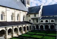 L'abbaye de Fontevrault: le cloître
