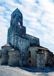 La Garde Adhémar (Drôme): église saint Michel. Vue général
