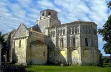 Geay (Charente Maritime): Prieuré  Notre Dame de l'Assomption.