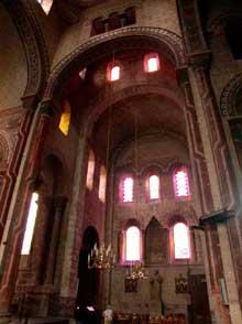 Issoire (Puy du Dôme), saint Austremoine: le bras sud du transept