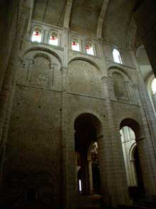 La Charité sur Loire, église abbatiale Notre Dame: le transept sud