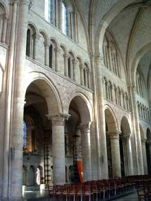 Le Mans, cathédrale saint Julien. La nef romane