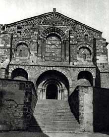 Le Monastier sur Gazeille (Haute Loire): abbatiale saint Chaffre
