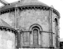 Lescar (Pyrénées Atlantiques): la «cathédrale» Notre Dame. Le chevet