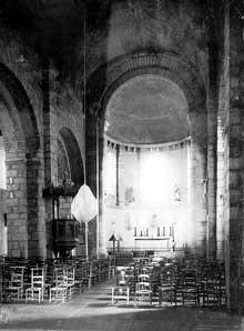 Lesterps (Charente): église saint Pierre. La nef
