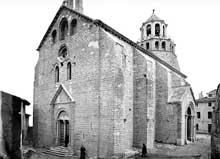 Le Thor (Vaucluse): l'église Notre Dame du Lac