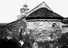 Llo (Pyrénées Atlantiques): église saint Fructueux. Le chevet
