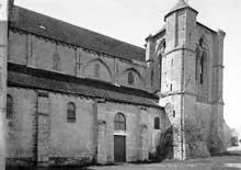 Longpont sur Orge (Essonne): basilique Notre dame de la Bonne Garde. Face nord