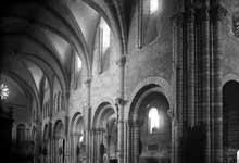 Longpont sur Orge (Essonne)�: basilique Notre dame de la Bonne Garde. El�vation de la nef