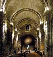 Les Saintes Maries de la Mer: l'église. Le chœur